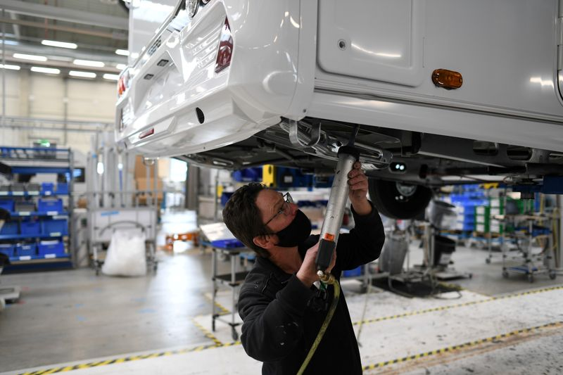 Atividade empresarial da zona do euro cresce em julho, mas confiança perde força