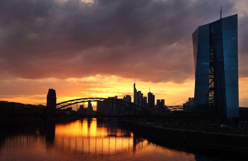 Bce dovrebbe eliminare gradualmente acquisti bond d'emergenza a marzo - Wunsch