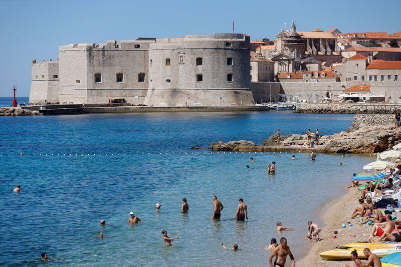 Croazia rinforza controlli su litorale per salvare stagione turistica