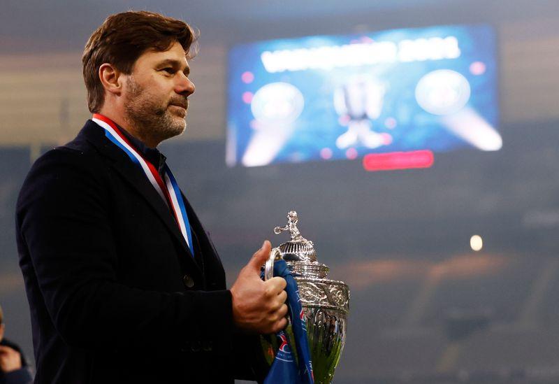 Paris Saint-Germain extiende contrato de DT argentino Pochettino hasta 2023