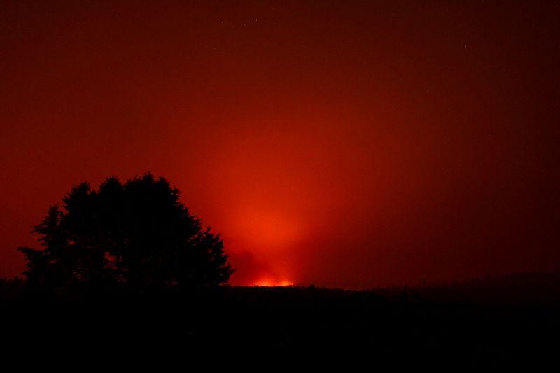 Oregon firefighters face return of hazardous conditions, COVID-19 outbreak