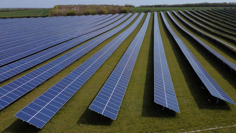 Analysis-Regulators turn spotlight on company sustainability ratings