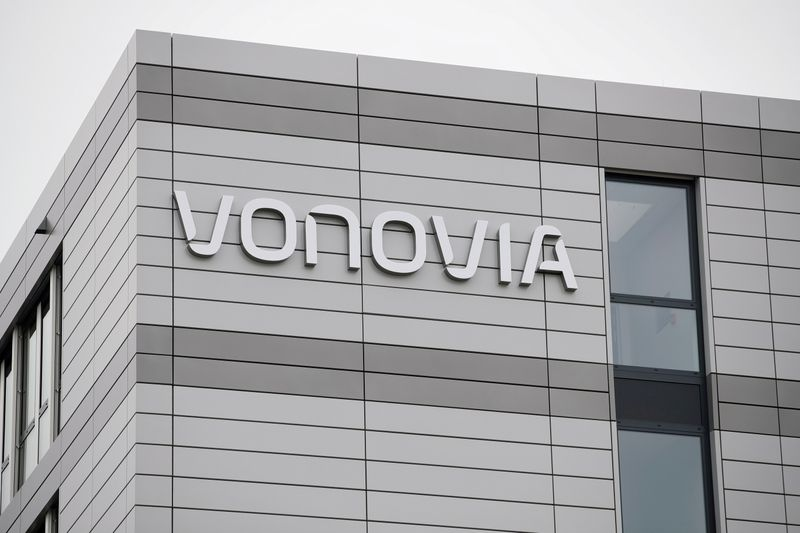 Property group Vonovia seen making fresh Deutsche Wohnen attempt
