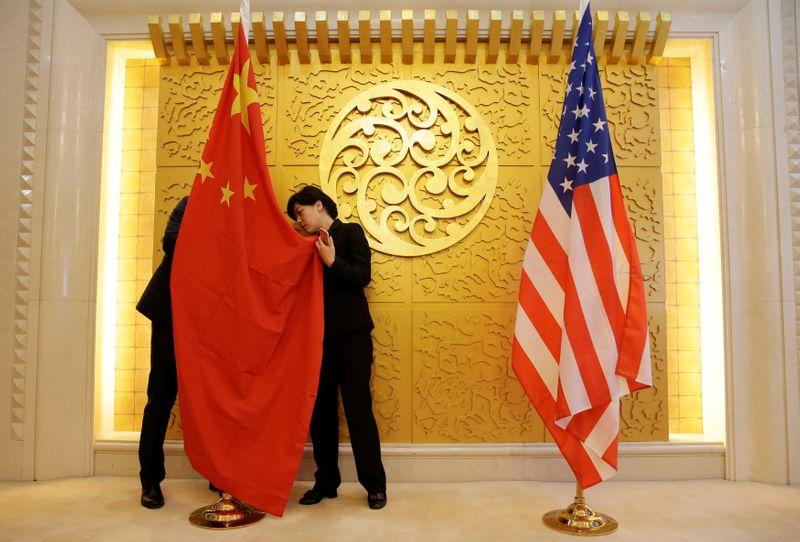 Washington et Pékin figent leurs positions lors de discussions en Chine