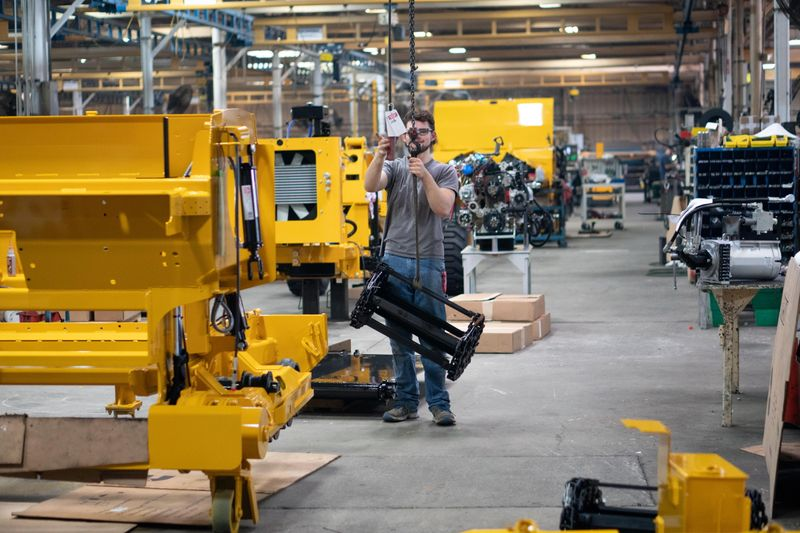 U.S. core capital goods orders and shipments rise solidly in June