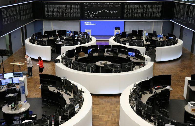 Les Bourses en Europe finissent sur une note prudente