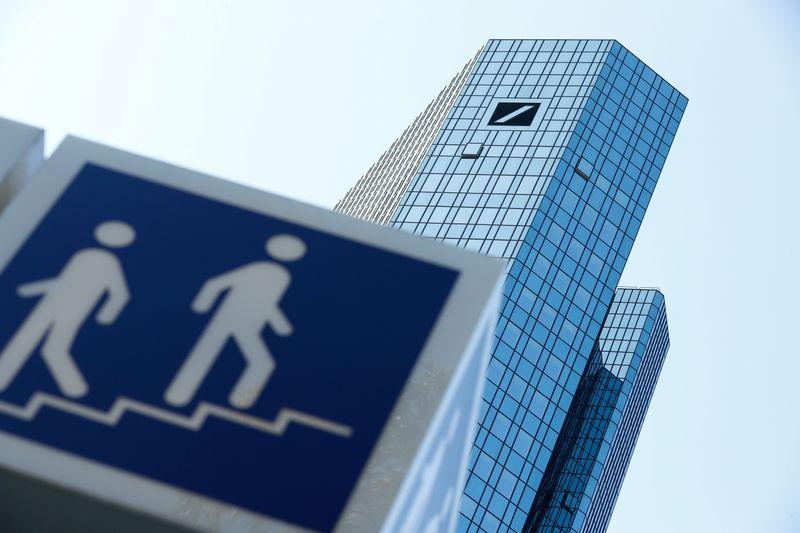 Deutsche Bank, utile netto trim2 oltre stime