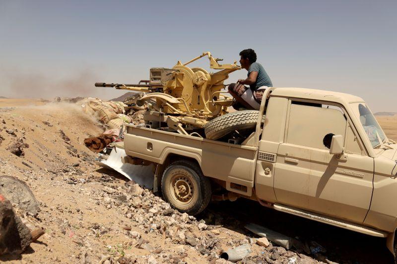 مع اتساع المعارك.. مبعوث أمريكي يعود للخليج سعيا لإبرام هدنة في اليمن