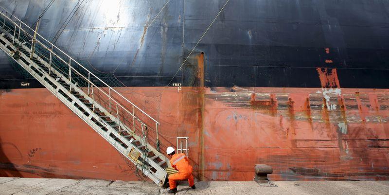 دراسة: العالم يواجه نقصا في بحارة السفن التجارية