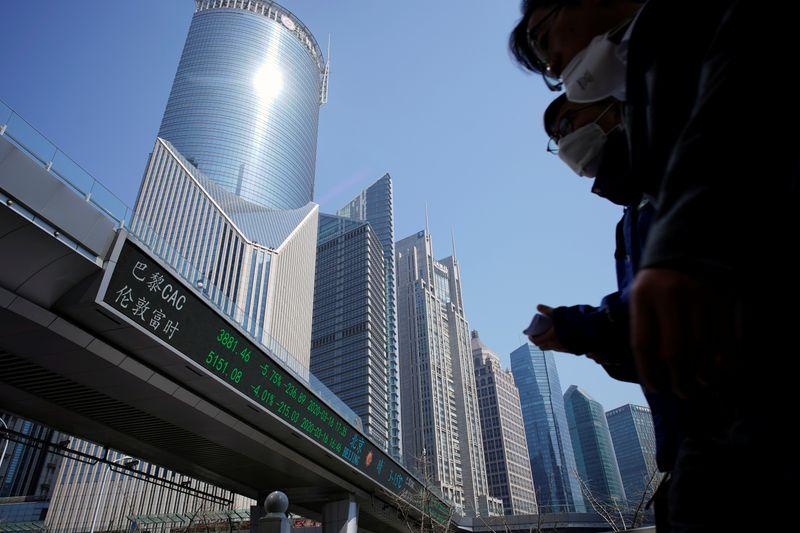 中国当局、市場の懸念緩和に向け大手投資銀幹部と会合=関係筋
