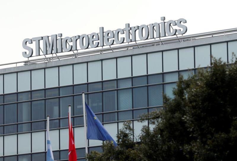 Выручка STMicroelectronics опередила прогнозы благодаря спросу на микрочипы