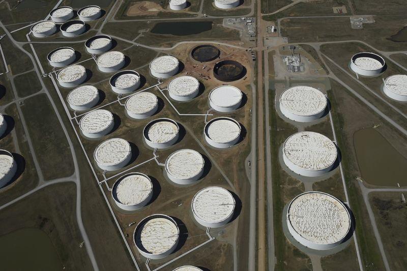原油先物は下落、需要堅調で週間では上昇へ