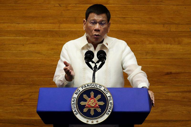 Philippines: Duterte rétablit le pacte concernant la présence de troupes US