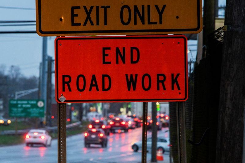 With bipartisan vote, U.S. Senate advances Biden's infrastructure bill