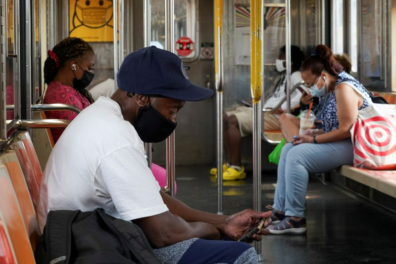 U.S. commuters uneasy as Delta variant threatens return to workplaces