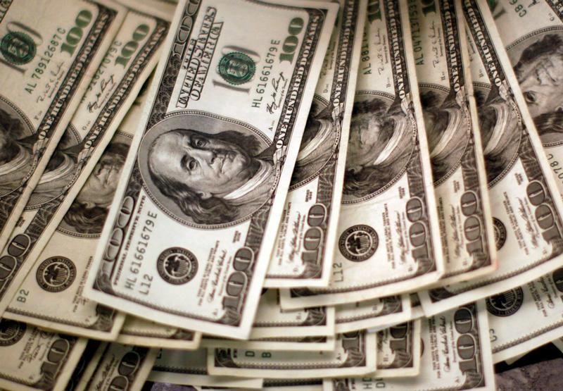 NY外為市場=ドルに安全買い、週足では5月初旬以来の大幅下落