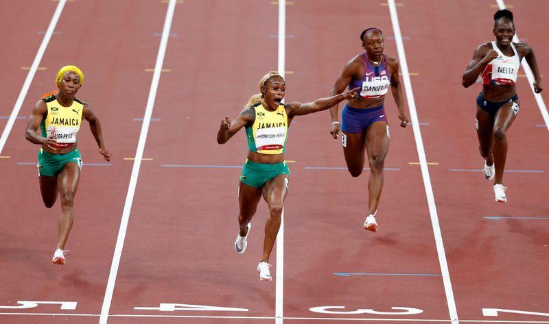 五輪=陸上女子100m、トンプソンヘラが金 ジョイナーの記録33年ぶりに更新