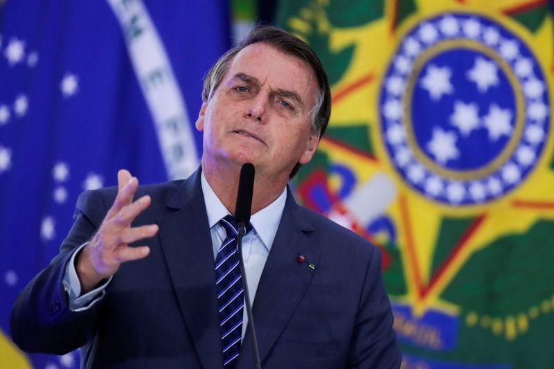 Bolsonaro diz que Petrobras tem R$3 bi para custear vale-gás