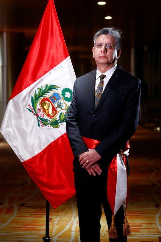 Perú busca nuevo pacto con mineras y promover