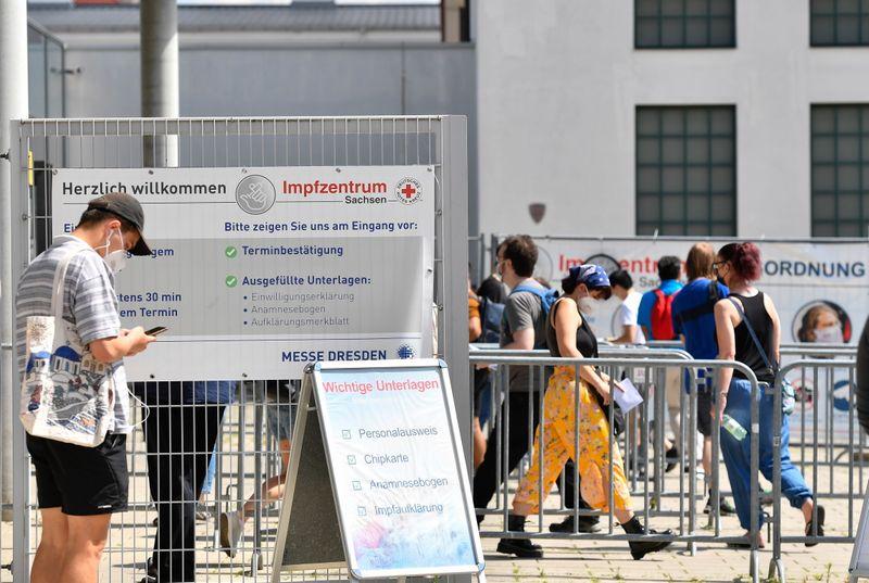 معهد: ألمانيا تسجل 2097 إصابة جديدة بفيروس كورونا