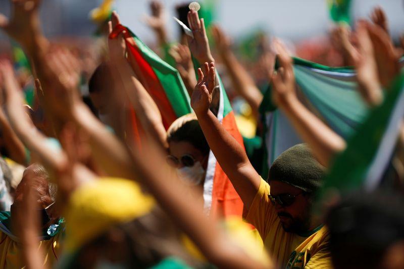 Bolsonaro backers push for change to Brazil's voting system