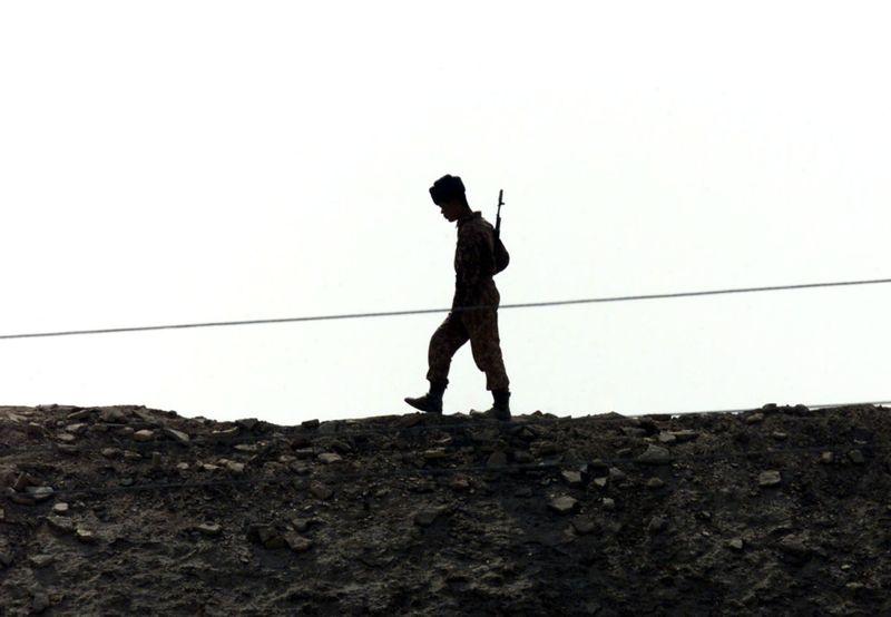 Russie et Ouzbékistan lancent des manoeuvres à la frontière afghane