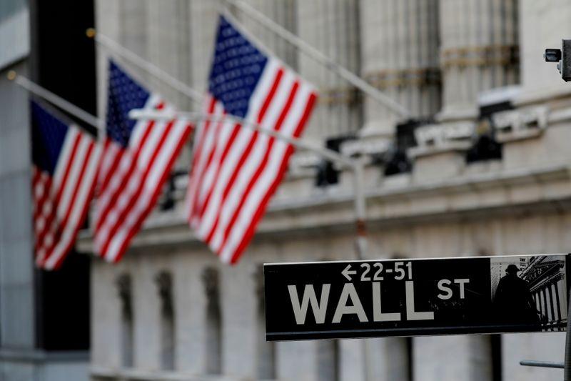 米国株式市場=S&P小幅安、変異株や経済鈍化巡る懸念で
