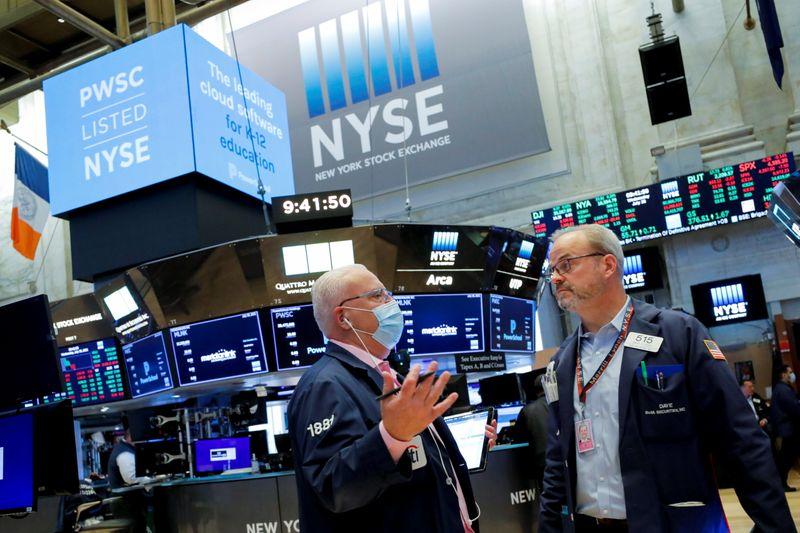 米国株式市場=S&P最高値、アップルやヘルスケア株が高い