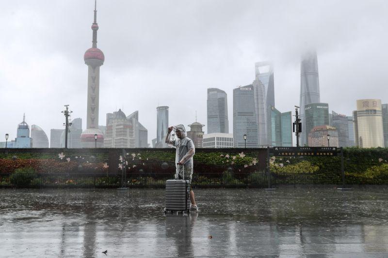 Китайские акции закрылись ростом благодаря техсектору