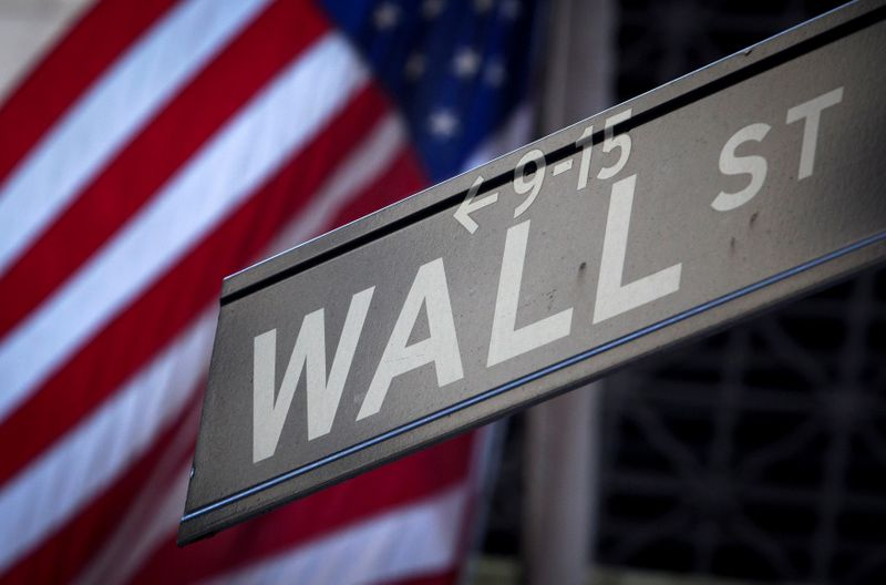 Futures tread water after S&P 500 hits record high