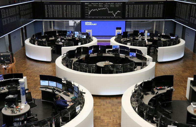 L'Europe finit en hausse, Wall St. recule après l'enquête ADP sur l'emploi