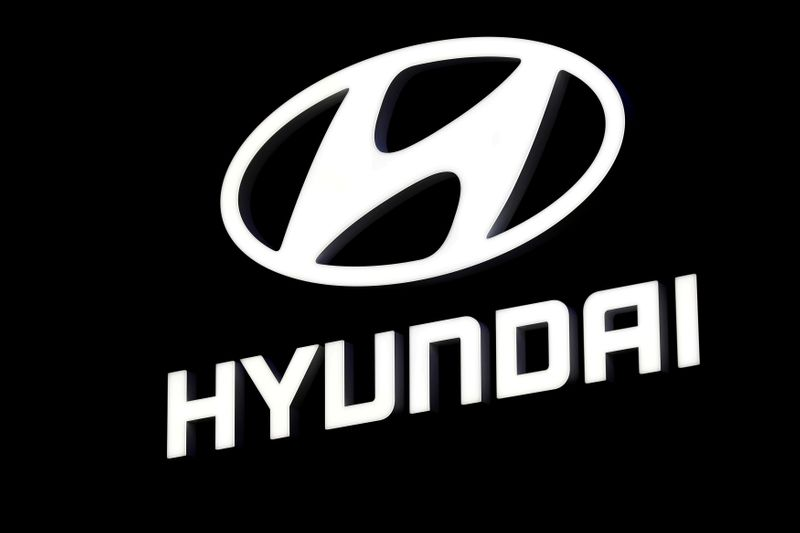 Hyundai to take stake in German hydrogen fuelling group H2 Mobility