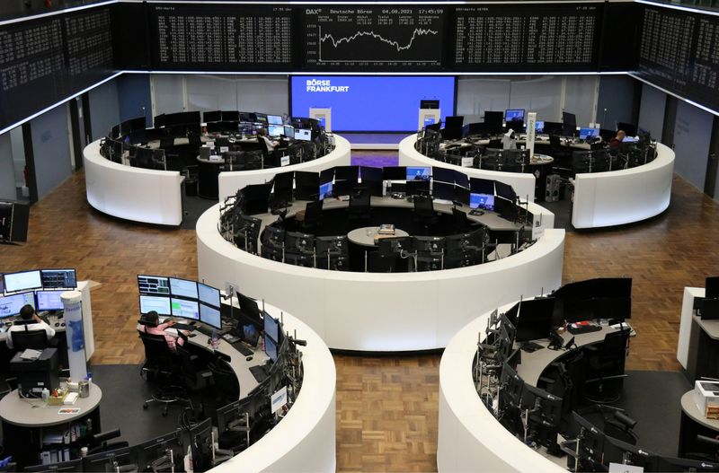 European shares notch fourth straight record high on earnings strength