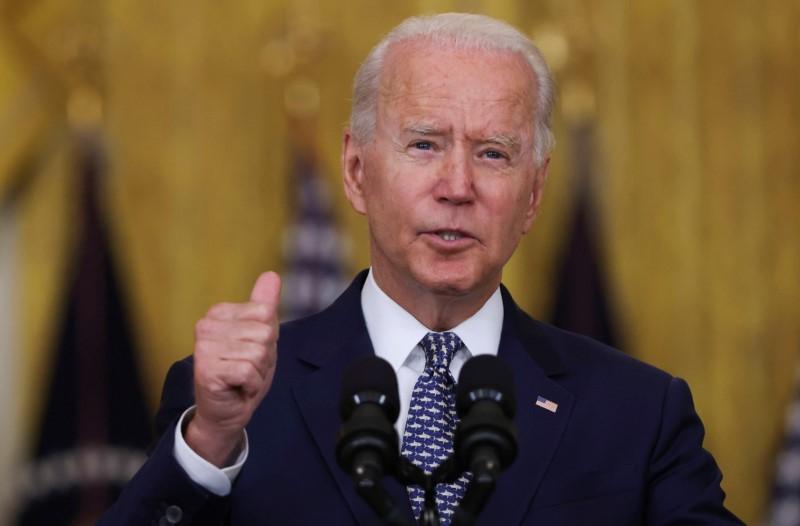 Biden busca fortalecer democracia mundial com cúpula em dezembro