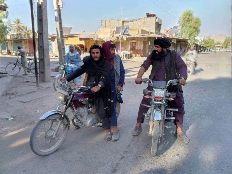 Taliban nega ter matado civis e pede inquérito independente