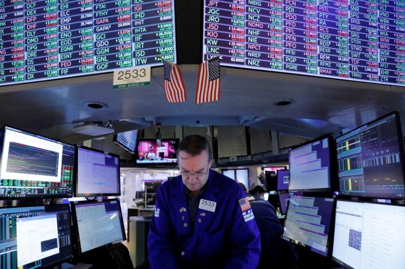 S&P 500, Dow établit de nouveaux records alors que la reprise avance