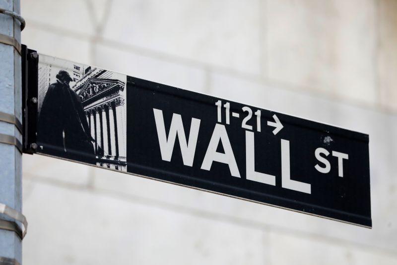 Borsa Usa negativa dopo richieste sussidi disoccupazione, inflazione