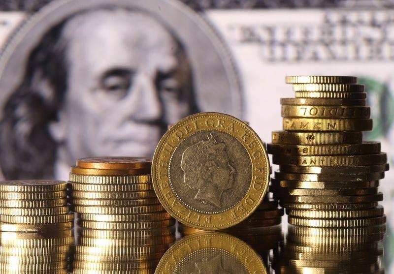 Forex, dollaro consolida seconda settimana guadagni su prospettive 'tapering' Fed