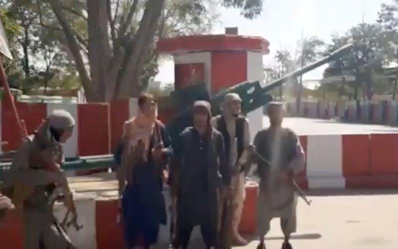 Taliban captura mais cidades afegãs; ataque à capital é esperado