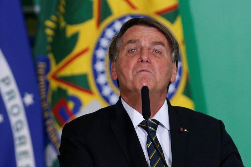 Bolsonaro diz que pedirá ao Senado processo contra ministros do STF e fala em