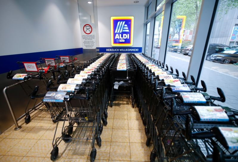 Aldi to hire more than 20,000 U.S. workers ahead of holiday season By Reuters