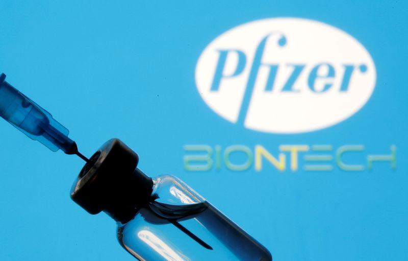Pfizer apresenta dados de teste para dose de reforço de vacina contra Covid-19