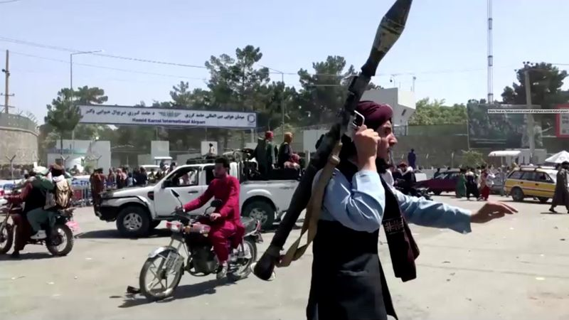 EUA dizem estar focados em garantir segurança do aeroporto de Cabul após cenas de caos