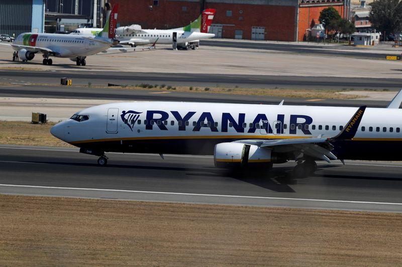 Enac, pronta multa a Ryanair per supplemento scelta posti vicino minori, disabili