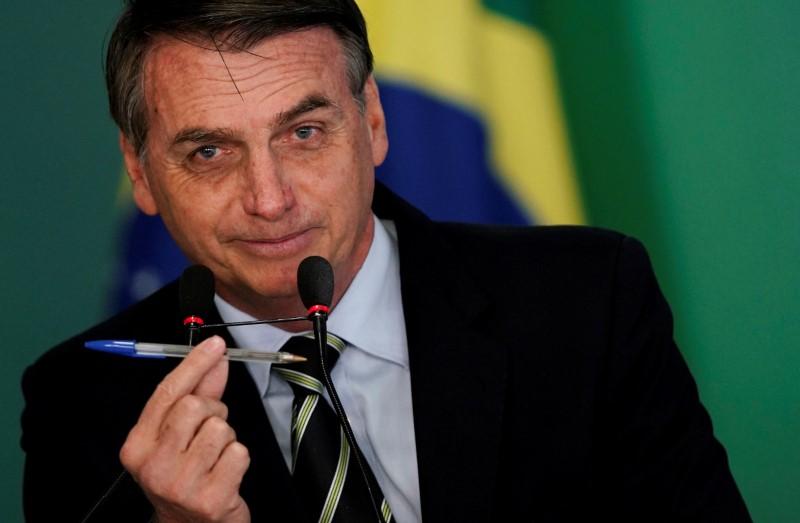 Bolsonaro diz que sanciona LDO na sexta-feira e que fará a