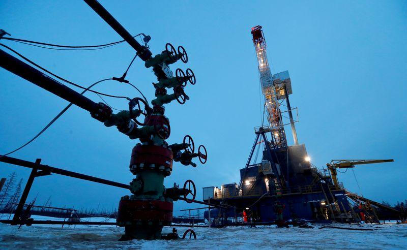 Цены на нефть снижаются на 6% по итогам недели из-за опасений о штамме дельта