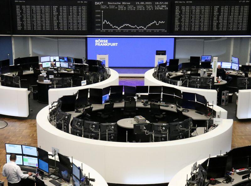 Европейские акции могут показать сильнейшее за 6 мес недельное снижение из-за опасений об экономике