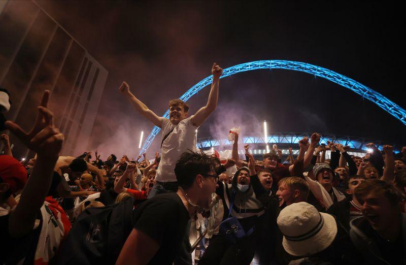 Final da Euro em Wembley foi um evento com alta propagação da Covid-19