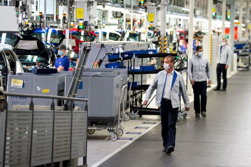 Consumidores e gastos estatais garantem recuperação econômica da Alemanha no 2º tri
