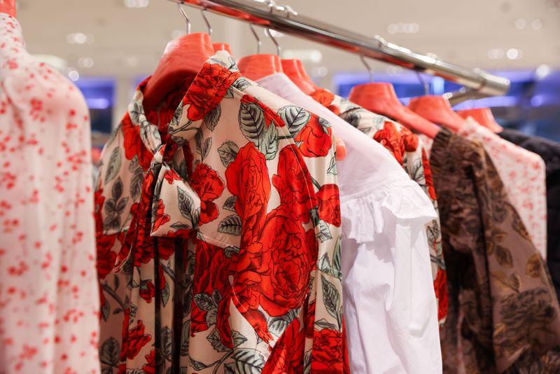 Nordstrom revenue stuck behind pre-pandemic levels, shares drop